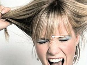 年轻男生掉头发是什么原因 吃什么东西恢复最快