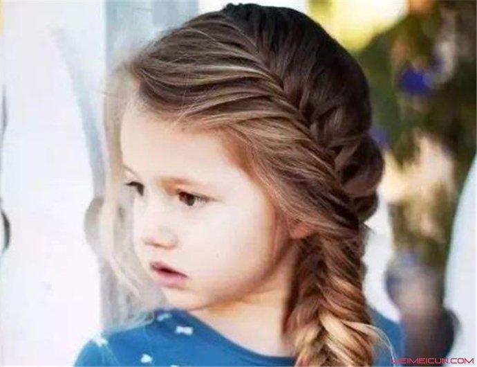 小女孩发型绑扎方法