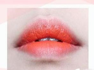 咬唇妆怎么画嘴巴小 这些技巧你会吗