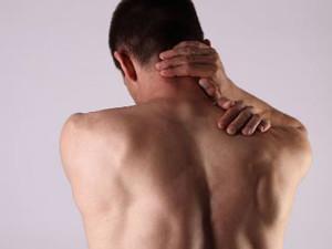 后背疼痛是什么原因 后背酸痛怎么缓解