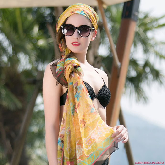 丝巾搭配方法